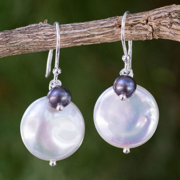 Sterling Silver 'Pearly Moons' Pearl Earrings (14 mm) (Thailand)