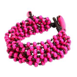 Handcrafted Boxwood 'Opulent Pink' Bracelet (Thailand)