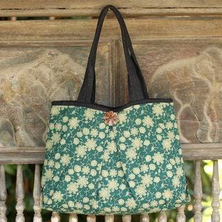 Handcrafted Cotton 'Green Thai Garden' Shoulder Bag (Thailand)