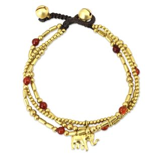 Handcrafted Brass 'Thai Elephant Charm' Carnelian Bracelet (Thailand)