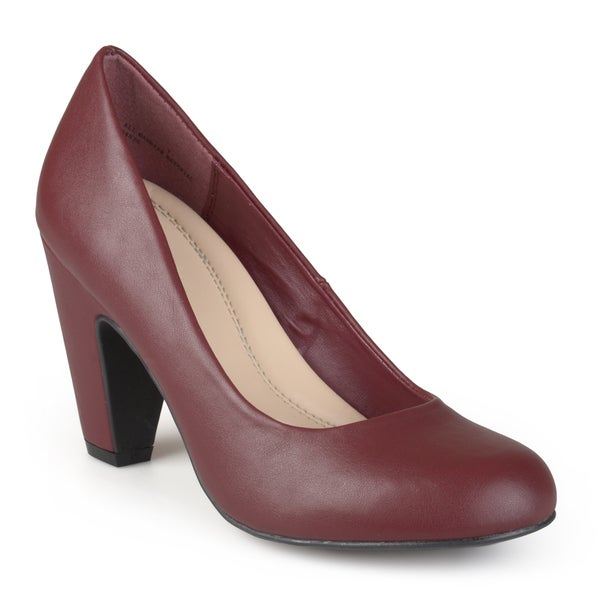 Journee Collection Women's 'Irwin' Round Toe Comfort Sole Pumps