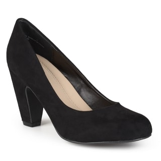 Journee Collection Women's 'Irwina' Round Toe Comfort Sole Pumps