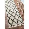 nuLOOM Hand-knotted Moroccan Trellis Natural Shag Wool Runner Rug (2'8 x 12')