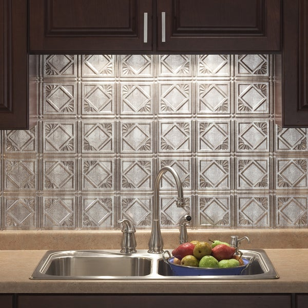 fasade traditional style 4 crosshatch silver backsplash