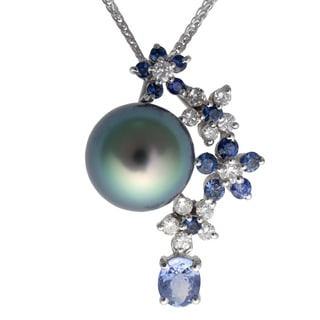 18k White Gold Tahitian Pearl Blue Sapphire and 1/3ct TDW Diamond Flower Pendant (G-H, SI2-VS1)(10-11mm)