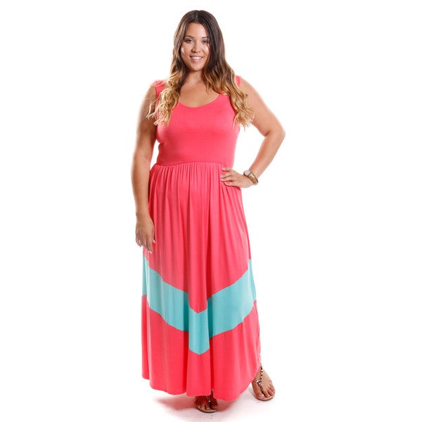 Hadari Women's Plus Size Chevron Detail Maxi Dress