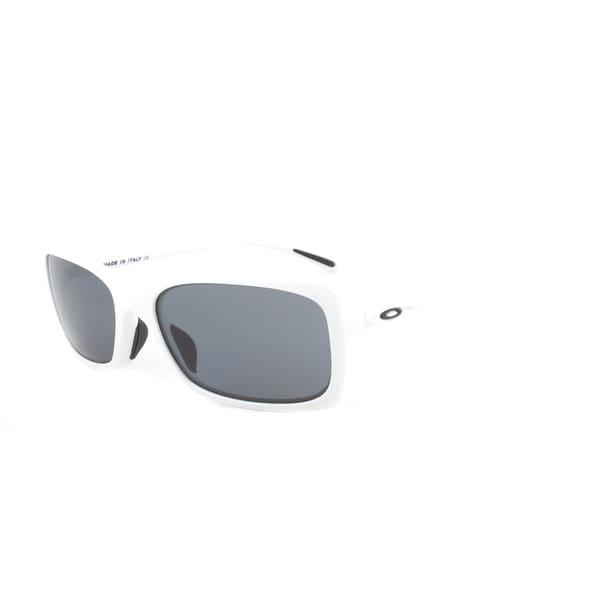 Oakley Hall Pass Sunglasses OO9203-04, Arctic White Frame, Grey Polarized Lens