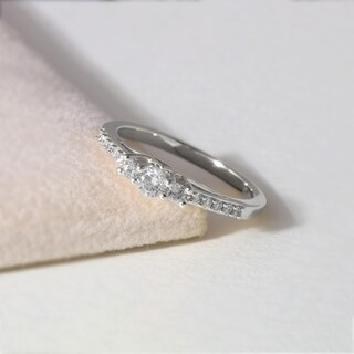 De Couer 10k White Gold 1/3ct TDW Diamond Three-Stone Anniversary Ring (H-I, I2)