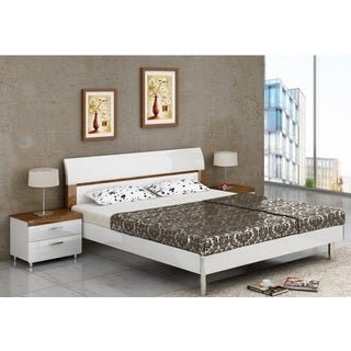 Shpola White/ Brown Finish Bedroom Set