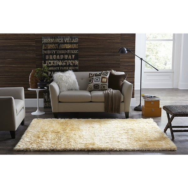 SPACES Home&Beyond Ivory Eyelash Shag Rug (1.9' x 5')