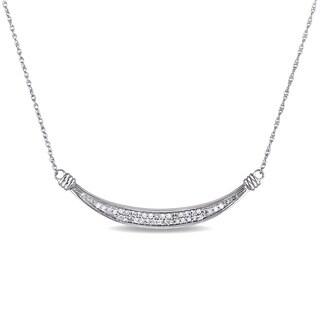 Miadora 10k White Gold 1/6ct TDW Diamond Curved Bar Necklace (G-H, I2-I3)