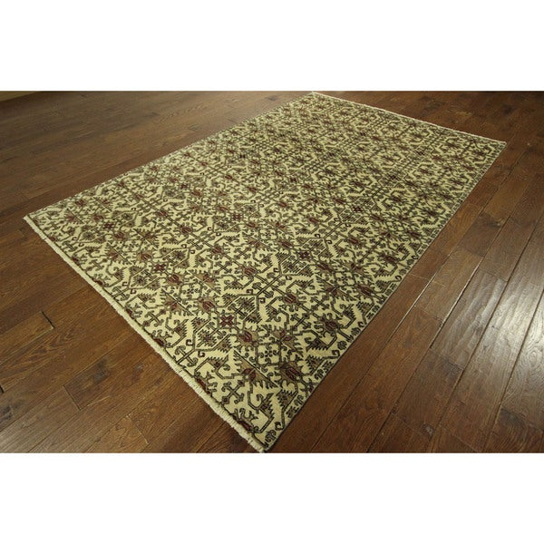 All Over Oushak Collection Chobi Style Ivory Hand-knotted Wool Rug (6' x 10')