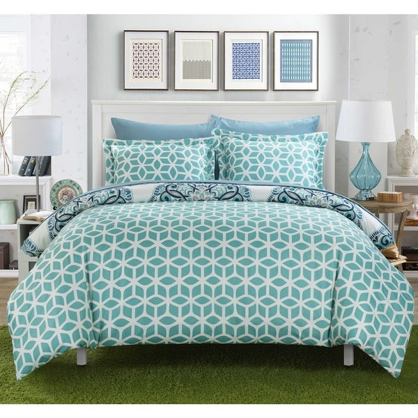 Chic Home Aragona Printed Medallion with Geometric Reverse 7-piece Bed in a Bag Set
