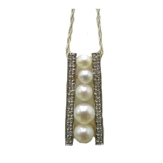 14kt diamond and graduated pearl pendant with rope chain