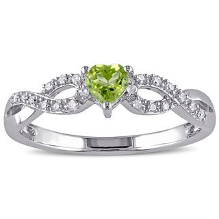 Miadora Sterling Silver Peridot and 1/10ct TDW Diamond Heart Ring (G-H, I2-I3)