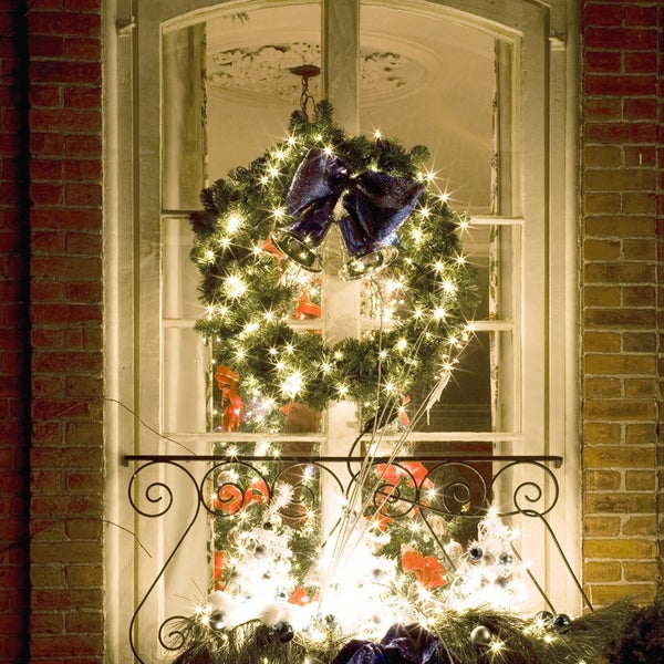 Outdoor christmas window decorating ideas