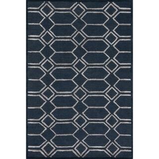 Hand-hooked Carolyn Diamond Indigo/ Silver Rug (5'0 x 7'6)
