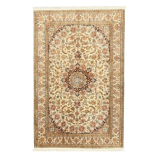 EORC Hand Knotted Silk Ivory Qun Rug (4' x 6'1)