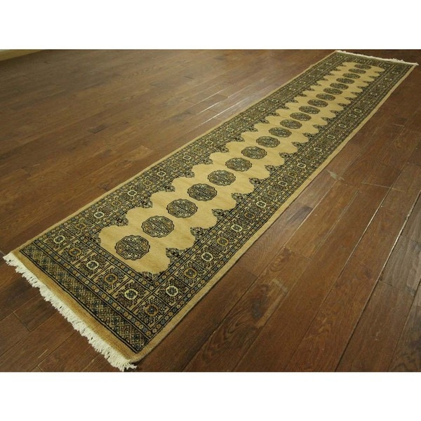 Unique Floral Gul Turkmen Runner Bokhara Hand-knotted Wool Area Rug (3' x 10')
