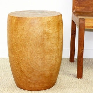 Hand-carved Oak Oil Finish Oak Oil Finish Mango Wood Merlot 15-inch Dia. x 20-inch High Golden End Table (Thailand)