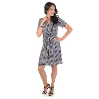 Journee Collection Women's Chevron Print Short-sleeve Wrap Dress