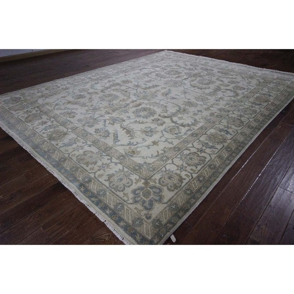 Hand-knotted Perks of a Lotus Ivory Oushak Wool Area Oriental Rug (9' x 12')
