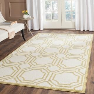 Safavieh Indoor/ Outdoor Amherst Ivory/ Light Green Rug (6' x 9')