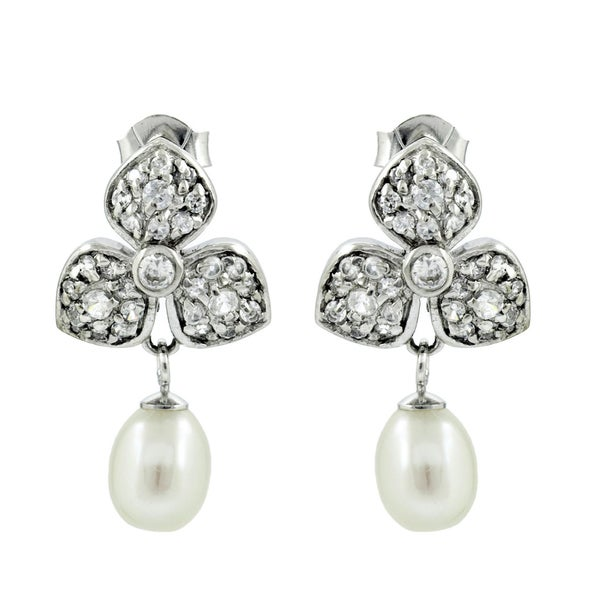 Freshwater Cultured Pearl Droplet Clover Earrings