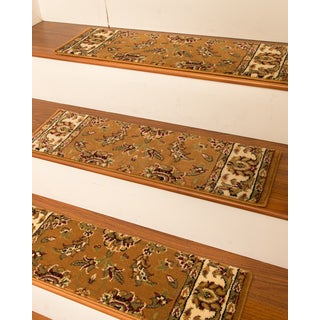 "Handcrafted Sydney Carpet Chestnut Stair Treads (9"" x 29"") (Set of 13)"