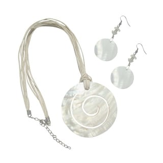 Ivory Beaded Shell Necklace and Earrings Set with Spiral Design Shell Bead