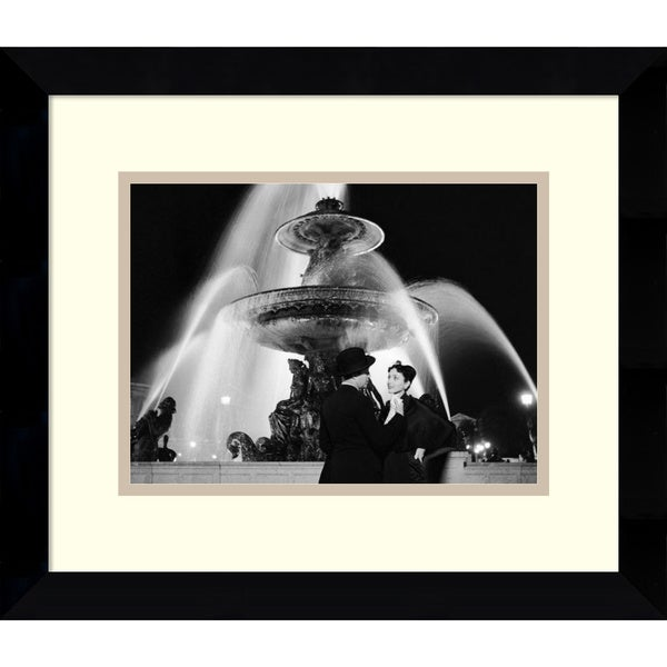 Genevieve Naylor 'Man and Woman Near Fountain, Paris 1951' Framed Art Print 11 x 9-inch