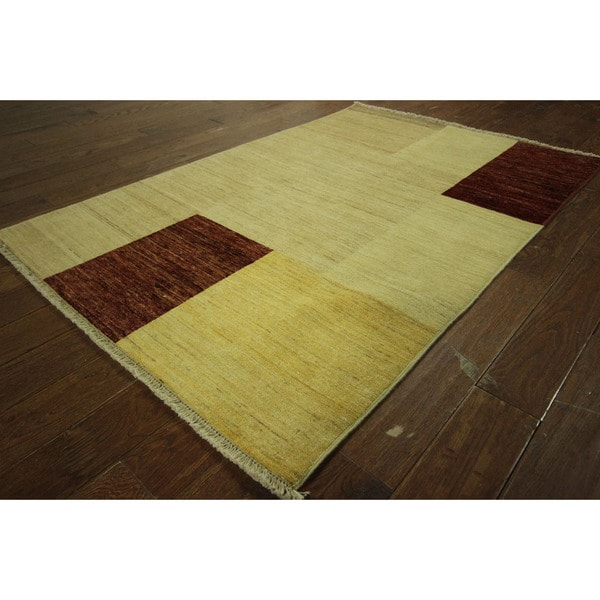 Modern Collection Ivory Super Fine Gabbeh Hand-knotted Wool Area Rug (4' x 6')