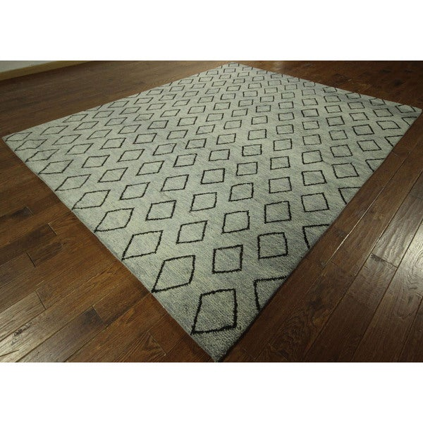 Cambridge Blue Diamond Shapes Hand-knotted Moroccan Wool Area Rug (8' x 10')