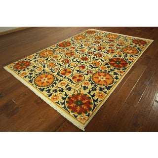 Super Fine Floral Suzani Hand-knotted Ivory Orange Wool Rug (6' x 9')