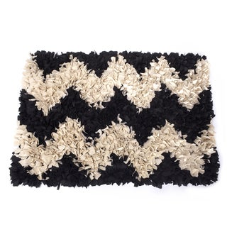 """Dogs of Glamour Chevron Jersey Shag Rug (20"""" x 26"""")"""