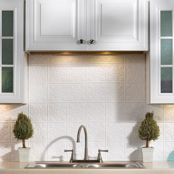 Fasade Traditional 1 Gloss White Backsplash Panel