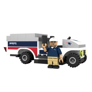 Oyo NFL New England Patriots 135-Piece Trainer Cart Building Set