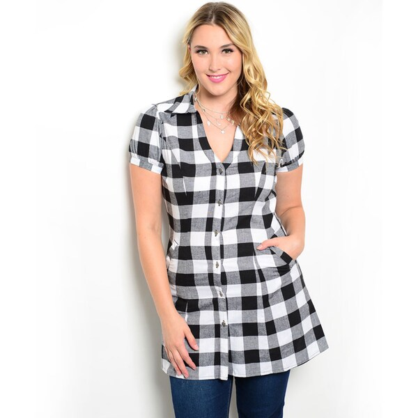 Shop the Trends Women's Plus Size Short Cap Sleeve Plaid Button Up Top with Elongated Hem Length and Hidden Pockets