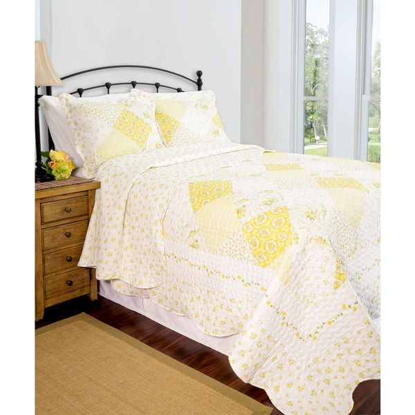 Slumber Shop Wilmington Yellow Reversible 3-piece Quilt Set