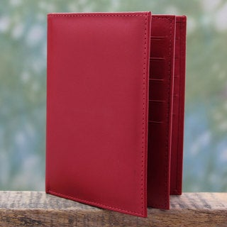 Handcrafted Leather 'Stylish Traveler in Red' Wallet (India)