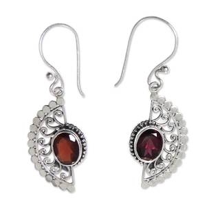 Handcrafted Sterling Silver 'Crimson Gaze' Garnet Earrings (Indonesia)