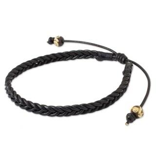 Handcrafted Men's Leather 'Single Black Braid' Bracelet (Thailand)