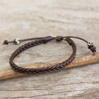 Handcrafted Men's Leather 'Single Brown Braid' Bracelet (Thailand)