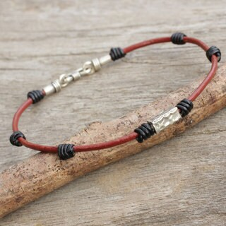 Handcrafted Men's Silver Leather 'Forthright' Bracelet (Thailand)