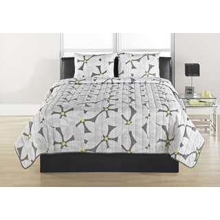 Modern Daisy Quilted Coverlet Set