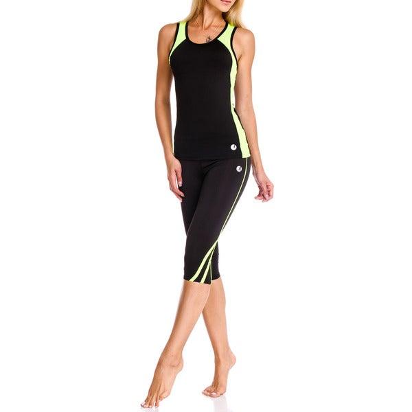 Necessity Women's High Performance Activewear Capri Pants 16252362