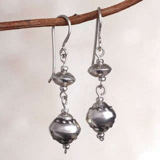 Handcrafted Sterling Silver 'Compliments' Earrings (Peru)