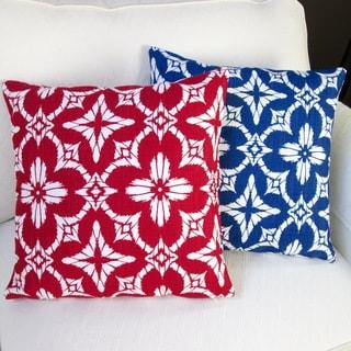 Artisan Pillows Outdoor 18-inch Aspidoras Apple Red or Royal Blue Throw Pillow Cover (Set of 2)