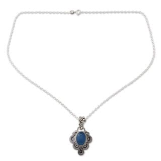 Handcrafted Sterling Silver Blue Antique Radiance Chalcedony Pendant Necklace (India)