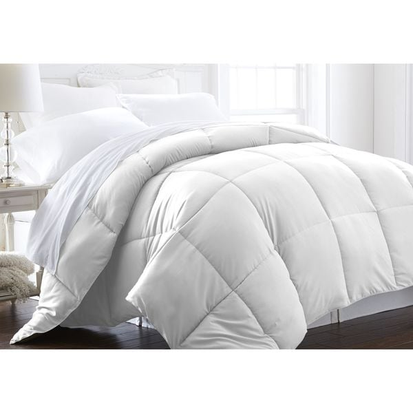 Merit Linens Extra Plush Down Alternative Comforter
